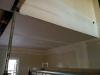 Le plafond de la salle à manger et le mur de l'escalier