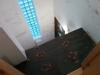Céramique sur le petit balcon dans le vestibule