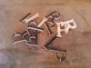Découper les lettres à la scie à ruban