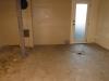 Planché du sous-sol décapé avec une couche d'apprêt